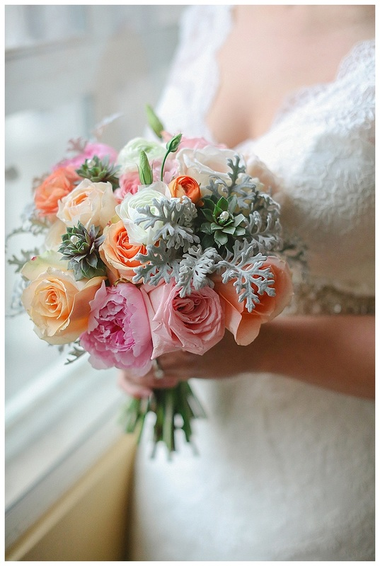 colorado wedding planner, denver wedding planner, peach wedding flowers, pastel wedding, mint bridesmaids dress