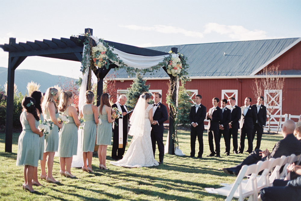crooked willow farms wedding, colorado wedding planner, denver wedding planner, denver day of coordination