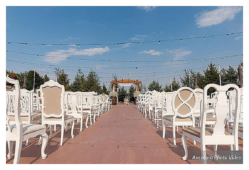 colorado wedding planner, denver wedding coordinator, wedding planner in Denver, colorado mountain wedding planner, vintage wedding chairs