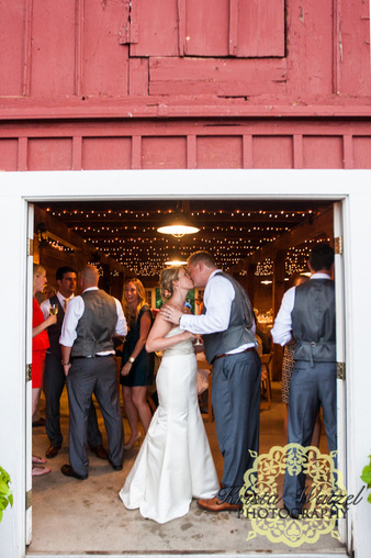 Chatfield wedding, denver wedding planner, colorado wedding planner, colorado barn venue