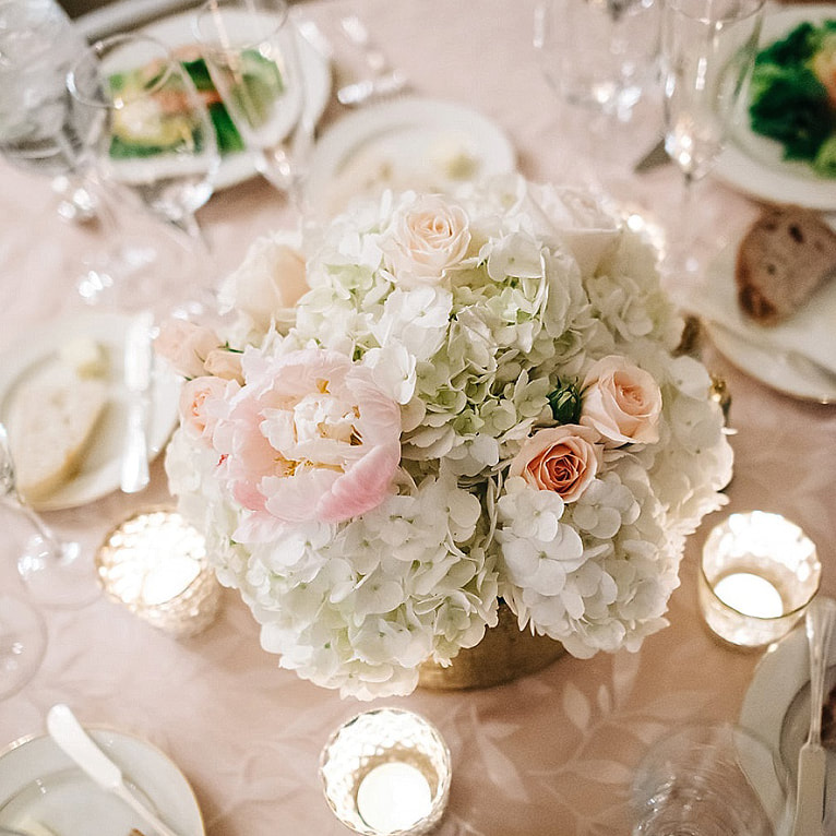 winter wedding denver, colorado wedding planner, denver wedding planner, blush wedding flowers
