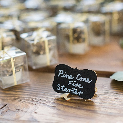 guest favors, pinecones, piney river ranch wedding venue, reception decor, vail wedding planner, mountain wedding inspiration, sweetly paired wedding planning