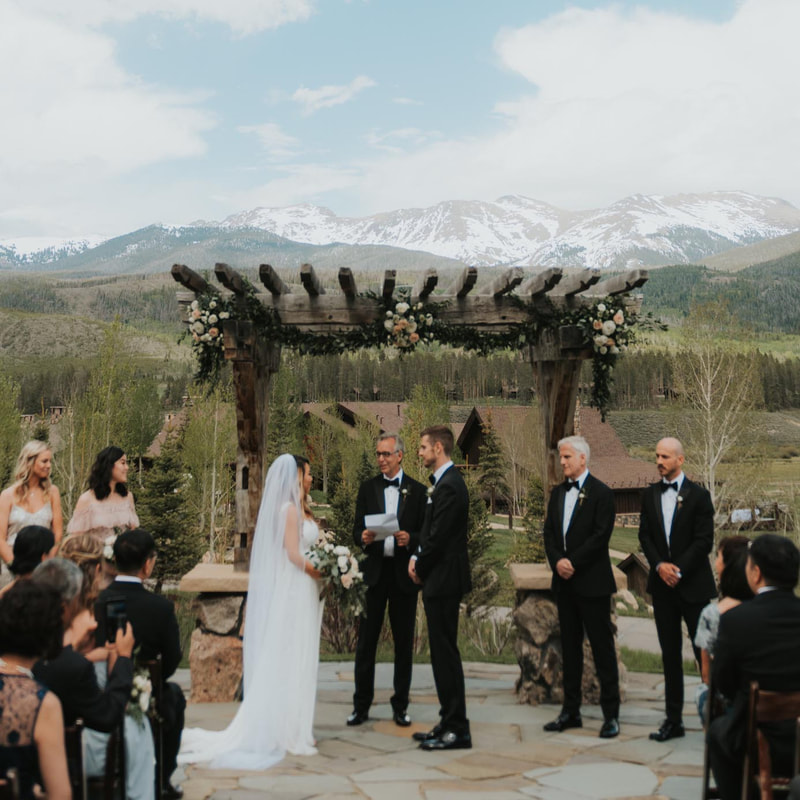 devils thumb ranch wedding, colorado wedding planner, awesome wedding photos in denver, winter park wedding planner, luxury wedding venue, arch ceremony