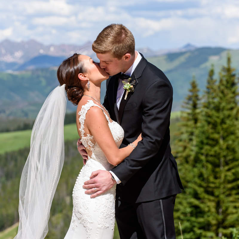 Sweetly paired colorado wedding planner sweetly Allie s cabin beaver creek