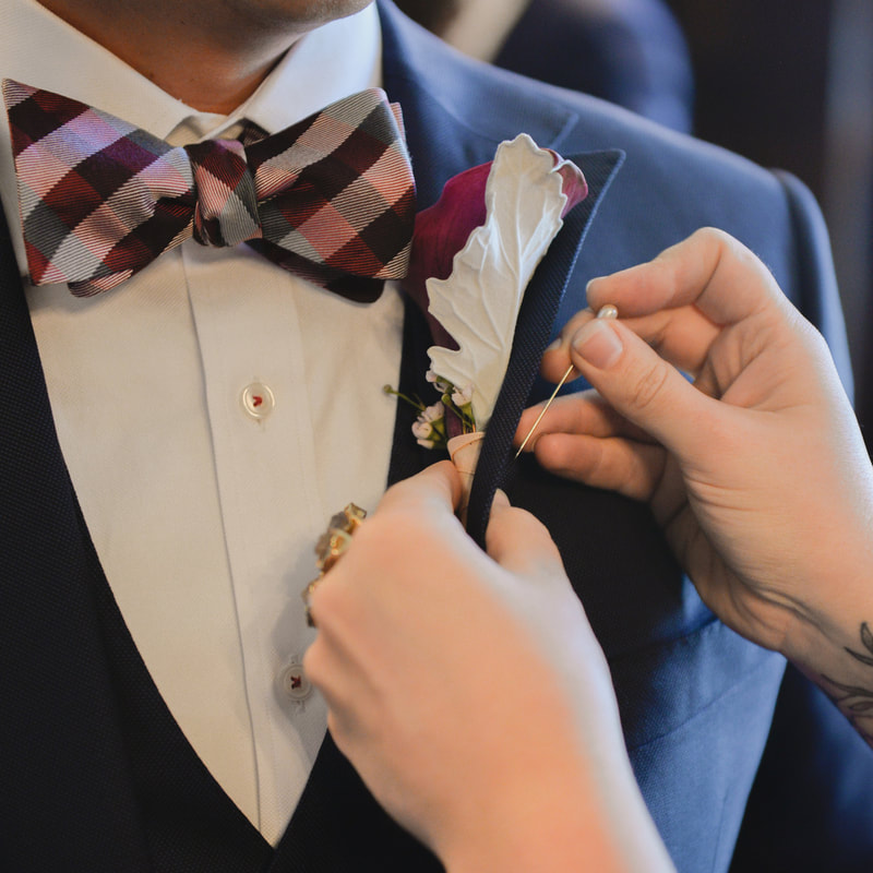 groom getting ready photo, detail photos, denver athletic club wedding planner, colorado wedding planner, custom mens suits, plaid bowtie