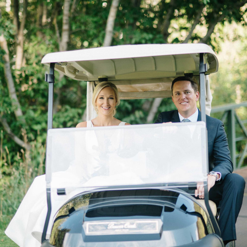 bride and groom in getaway golf cart, colorado wedding inspiration, mountain wedding planner, beaver creek resort wedding, park hyatt beaver creek wedding planning