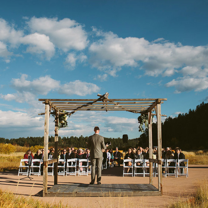 outdoor Ceremony, summer wedding, real weddings at deer creek valley ranch, colorado wedding inspiration, sweetly paired denver wedding planner, destination wedding planning