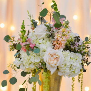 Tall floral Centerpieces in gold vases, reception detail photos at baldoria on the water, denver wedding planning, colorado wedding planner, destination wedding planner, sweetly paired